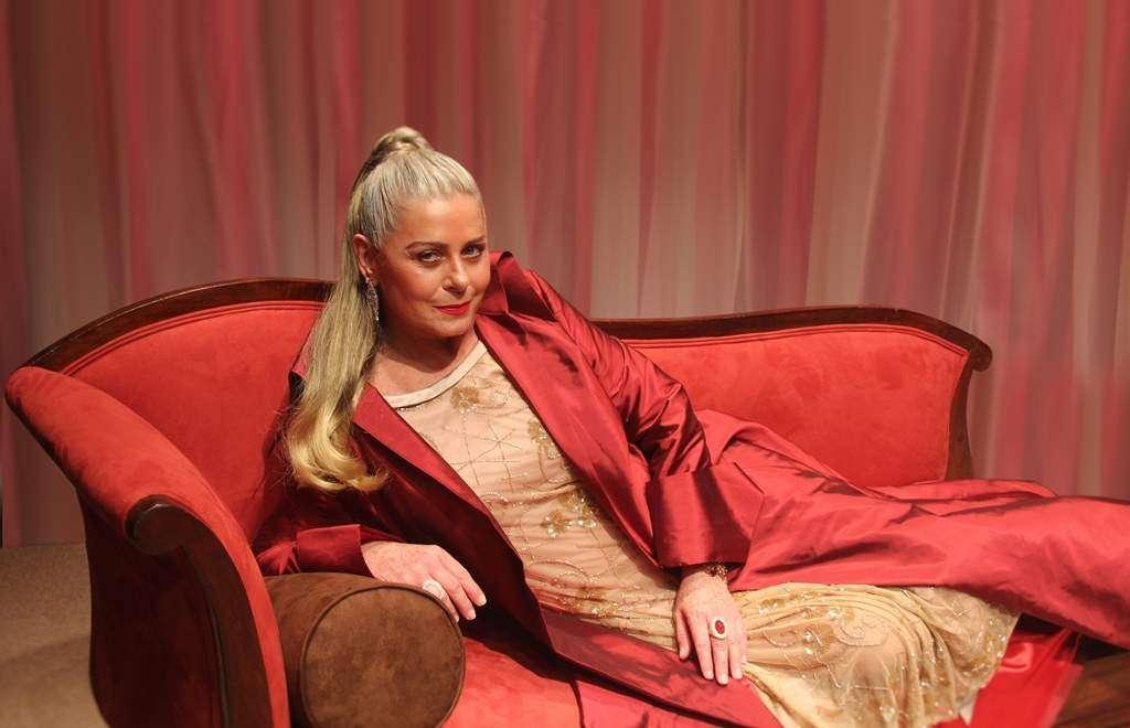 Vera Fischer está magnífica nos palcos
