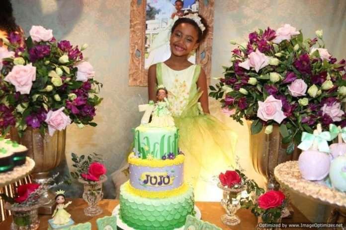 Mini Tais Araujo comemora seus 7 anos