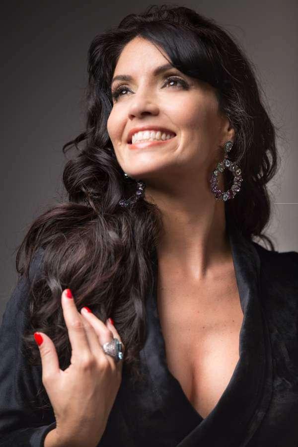 Joyce Cândido faz tributo a Elis Regina na sexta, dia 07