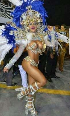 Estilista Paula Guedes conquista o Carnaval