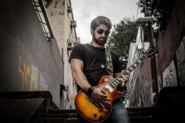 """""""Querem Te Controlar"""" é novo hit do guitarrista Adam Fares"""