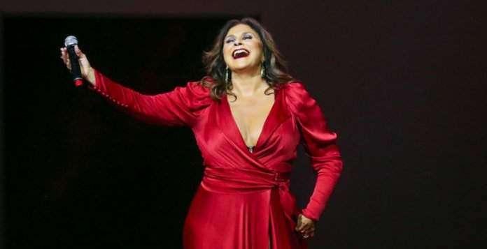 Show da cantora Fafa de Belem-namidia-foto divulgação