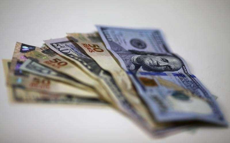 Prisão de Lula faz dólar turismo passar de R$ 3,70