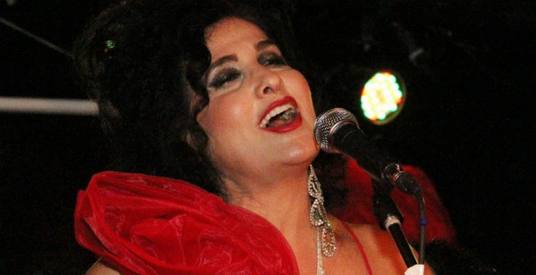 A Cantora Hanna recebe título de Embaixadora do Rio