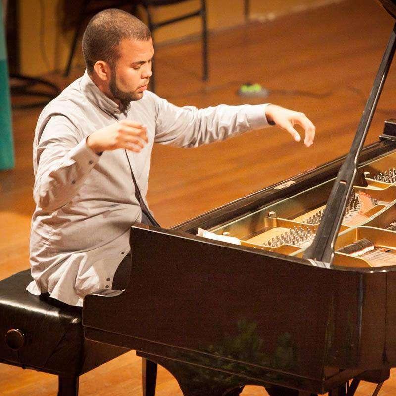 Concerto gratuito dedicado ao piano na Cinelândia