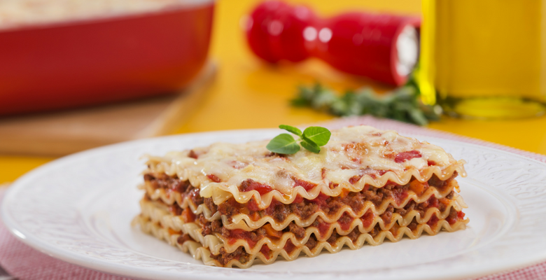Lasanha, prato tradicionalmente italiano, com molho perfeito