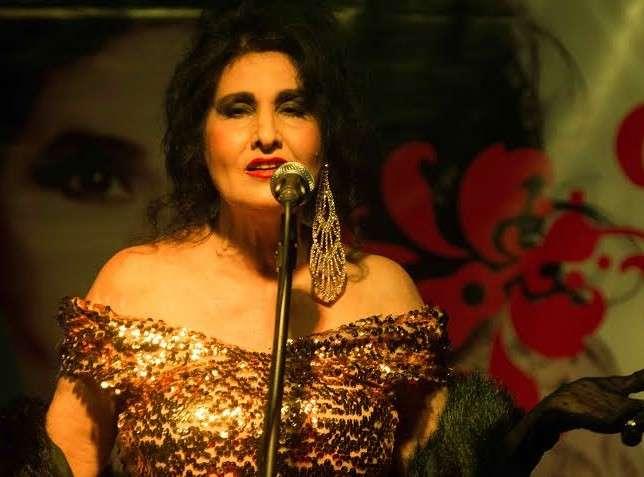 HANNA faz show no Alegretti, em Copacabana, neste Sábado