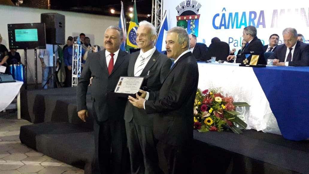 Mauro Quintão é agraciado com Título de Cidadão Linharense