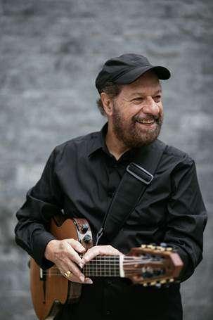 Concerto com participação especial do cantor João Bosco