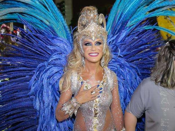 Empresária ANGELA PEREIRA faz sua estreia no carnaval de SP