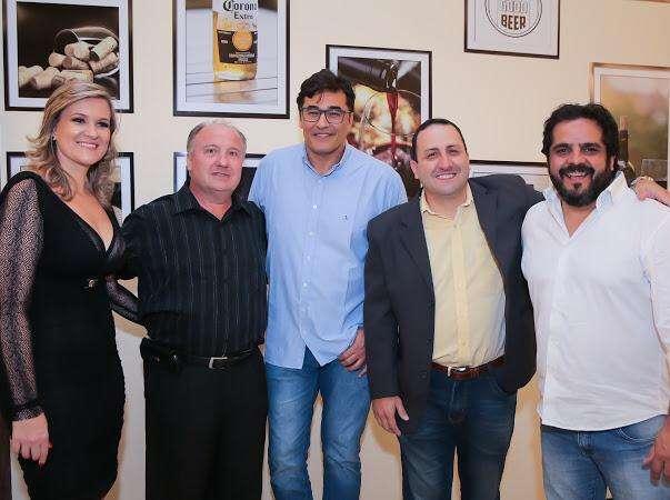 Luciano Szafir inaugura espaço de alta gastronomia