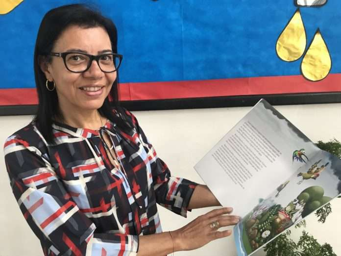 Escritora belga visita escola pública no Rio de Janeiro