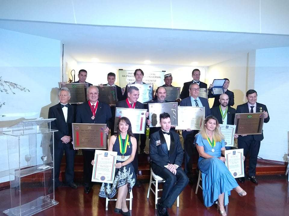 Membros da sociedade em São Paulo são homenageados