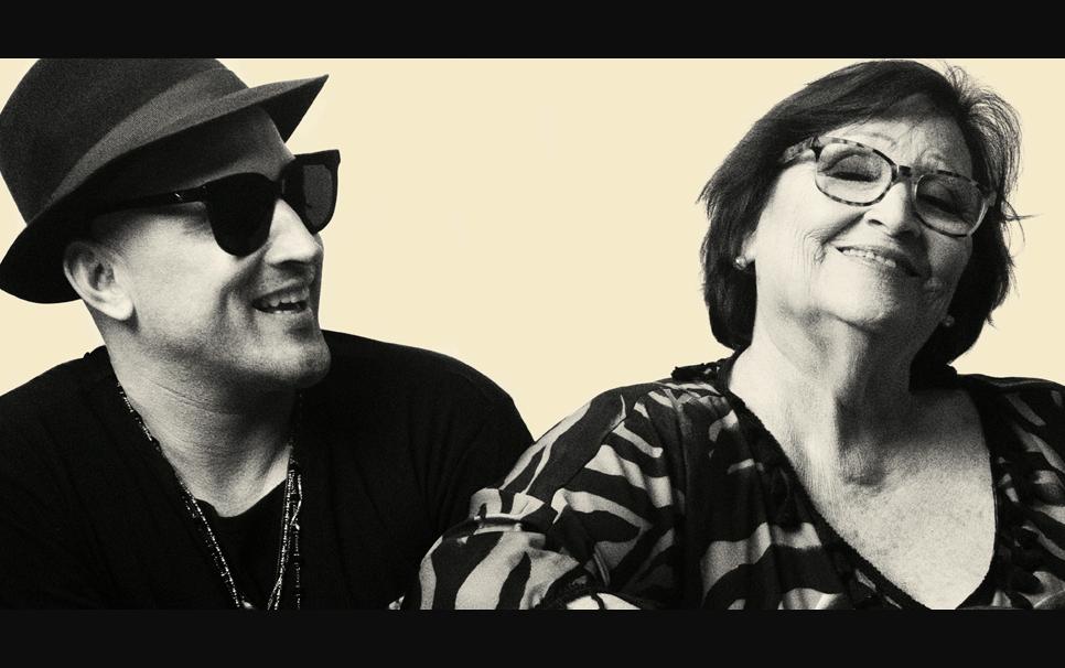 Paulo Gustavo com a mãe Dona Déa no Tom Brasil