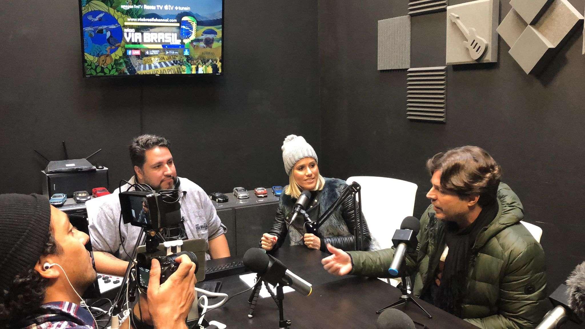 Chris Fox, o fundador da Radio Via Brasil Channel
