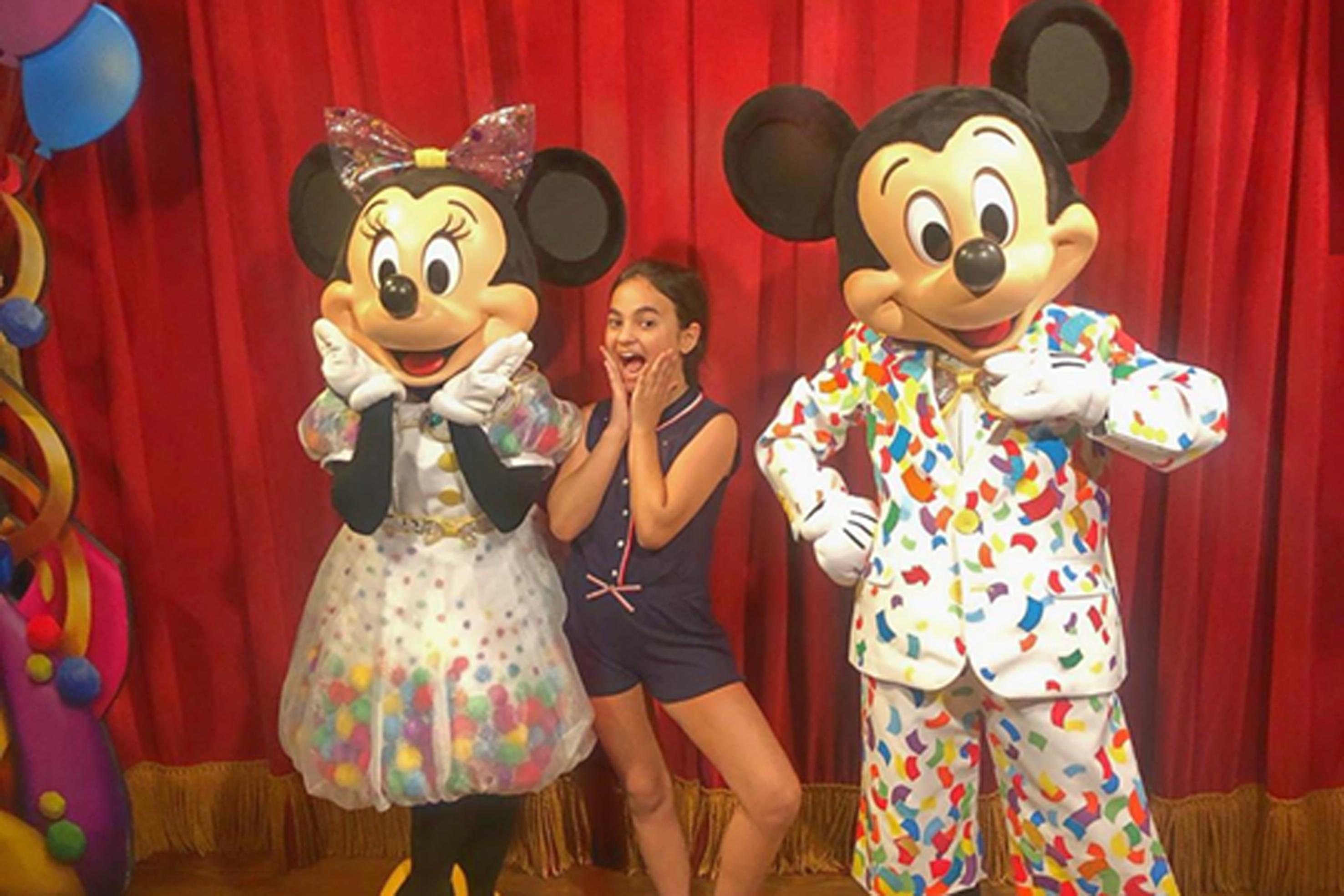 Eloá Furlan, atriz mirim em férias na Disney