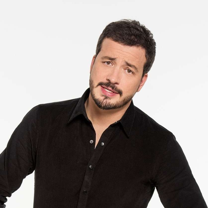 Rafael Cortez faz show na Casa Natura Musical