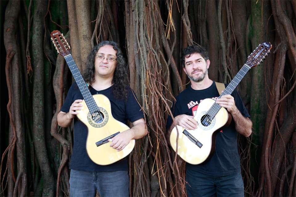 Ricardo Vignini e Zé Helder apresentam Moda de Rock