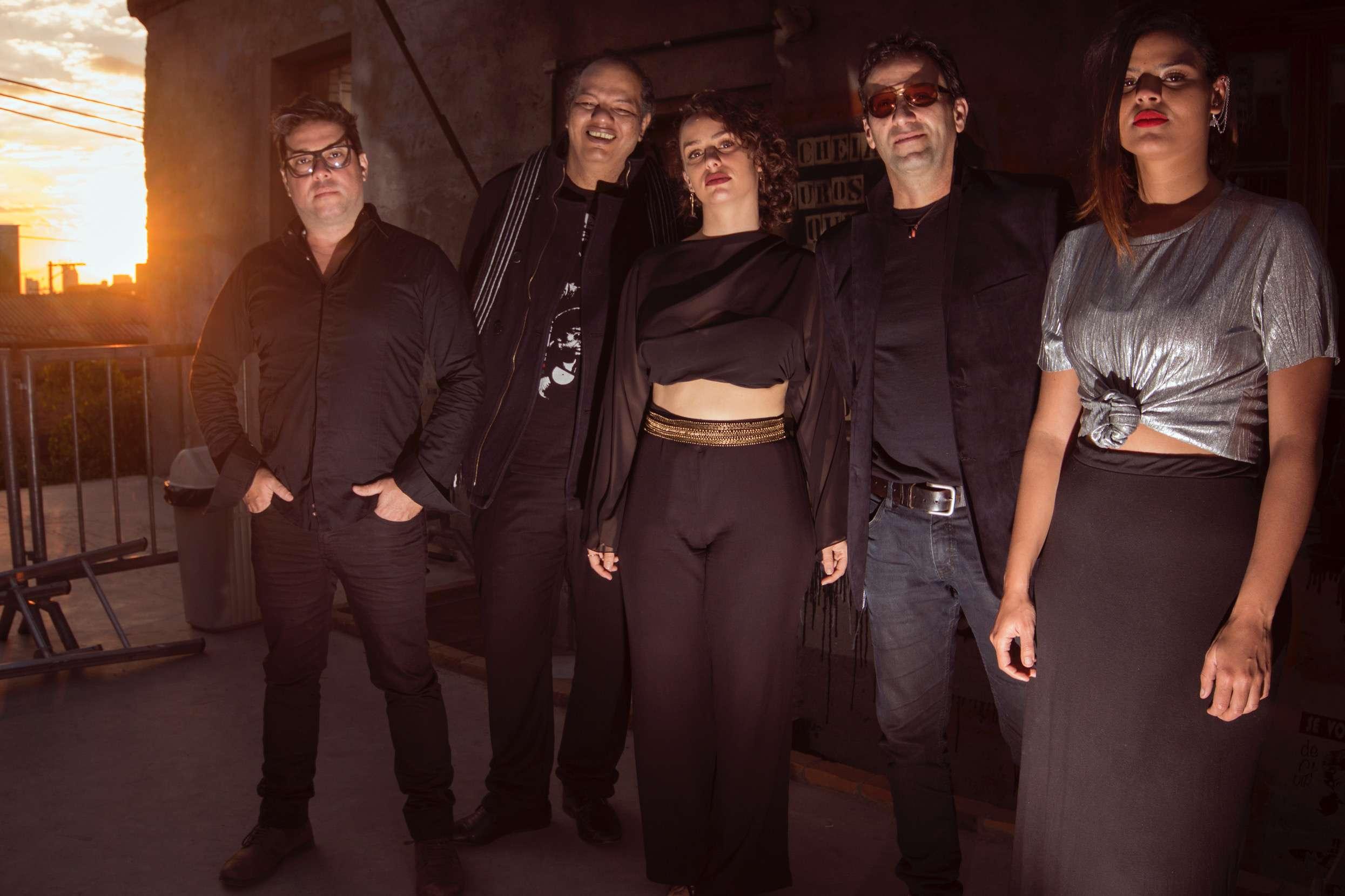 Projeto BLACK BEATLES do quarteto fantástico