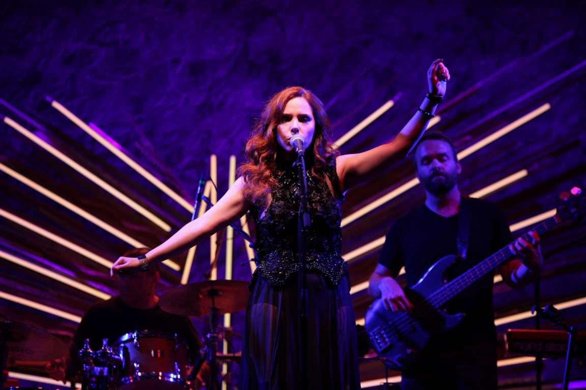 Cantora  brasileira Zabelê faz show no Sony Hall em NY