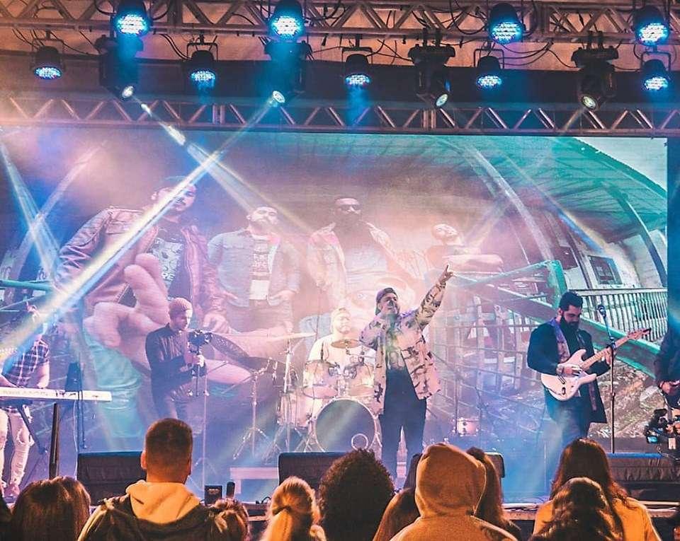 Banda Lo Ramma abre show do Hungria no Amarelinho