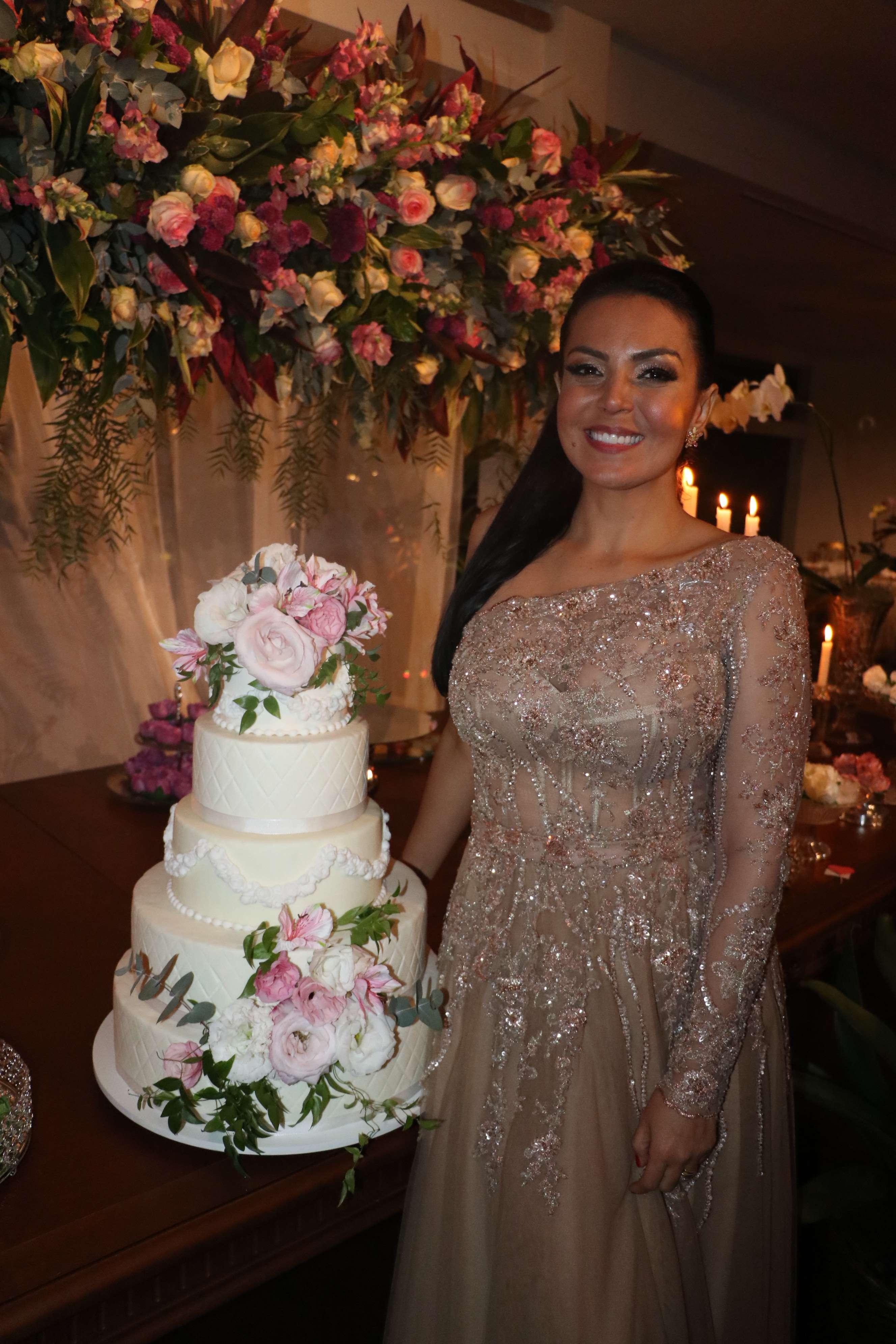 Gardênia Cavalcanti comemora aniversário em grande estilo
