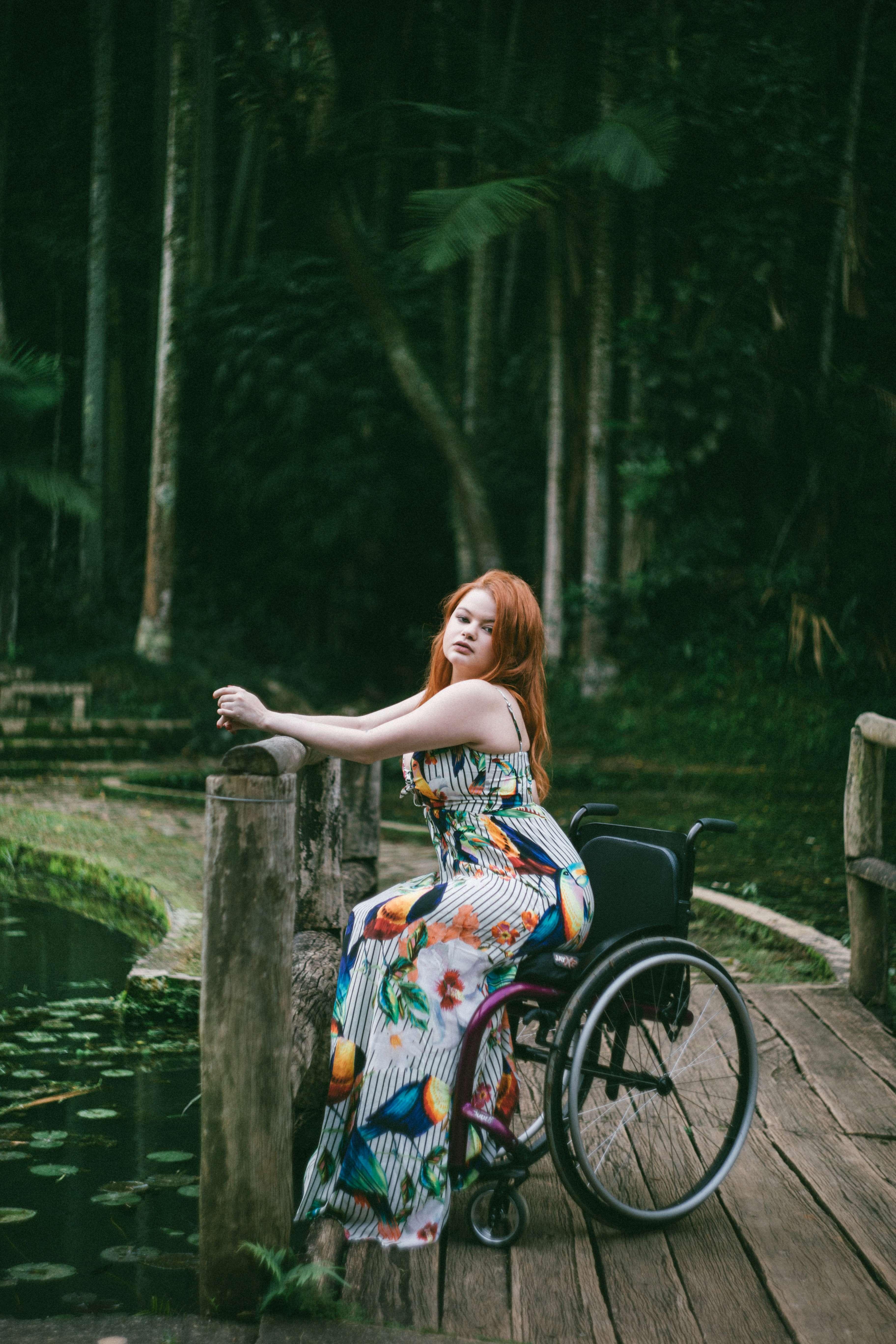 Fotógrafa cadeirante faz ensaios inclusivos