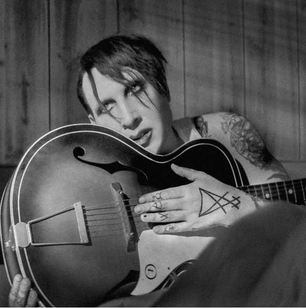 Manson lança versão de música de Johnny Cash