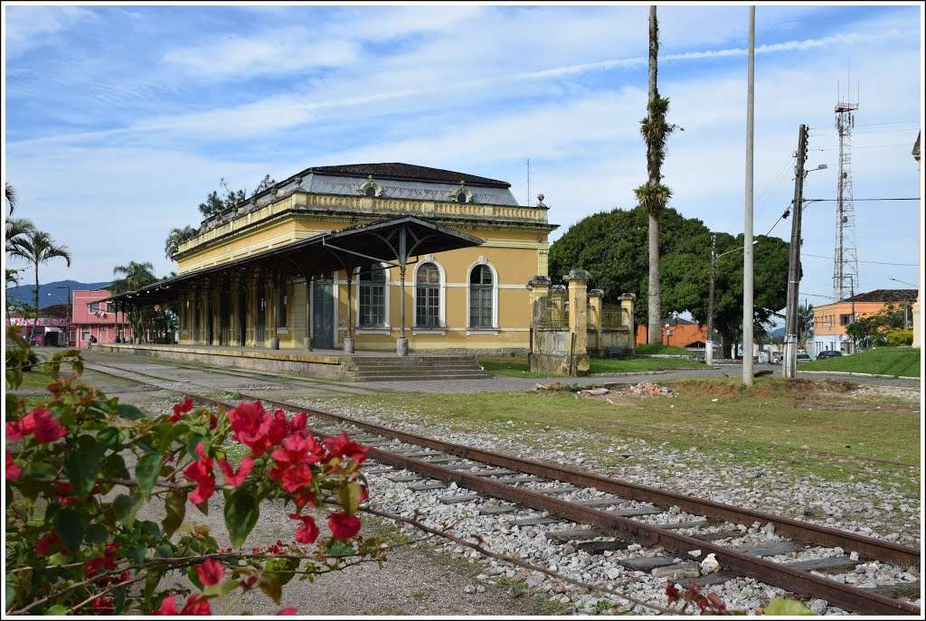 Igreja e estação ferroviária  são restauradas