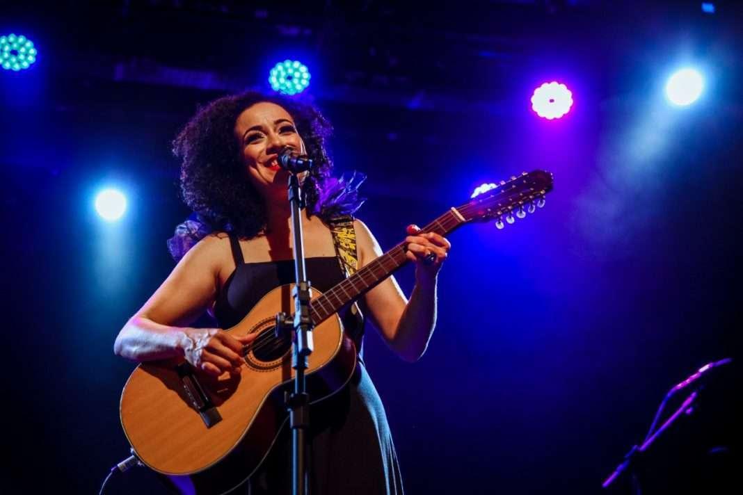 Juliana Maia, canta, Nelson Gonçalves