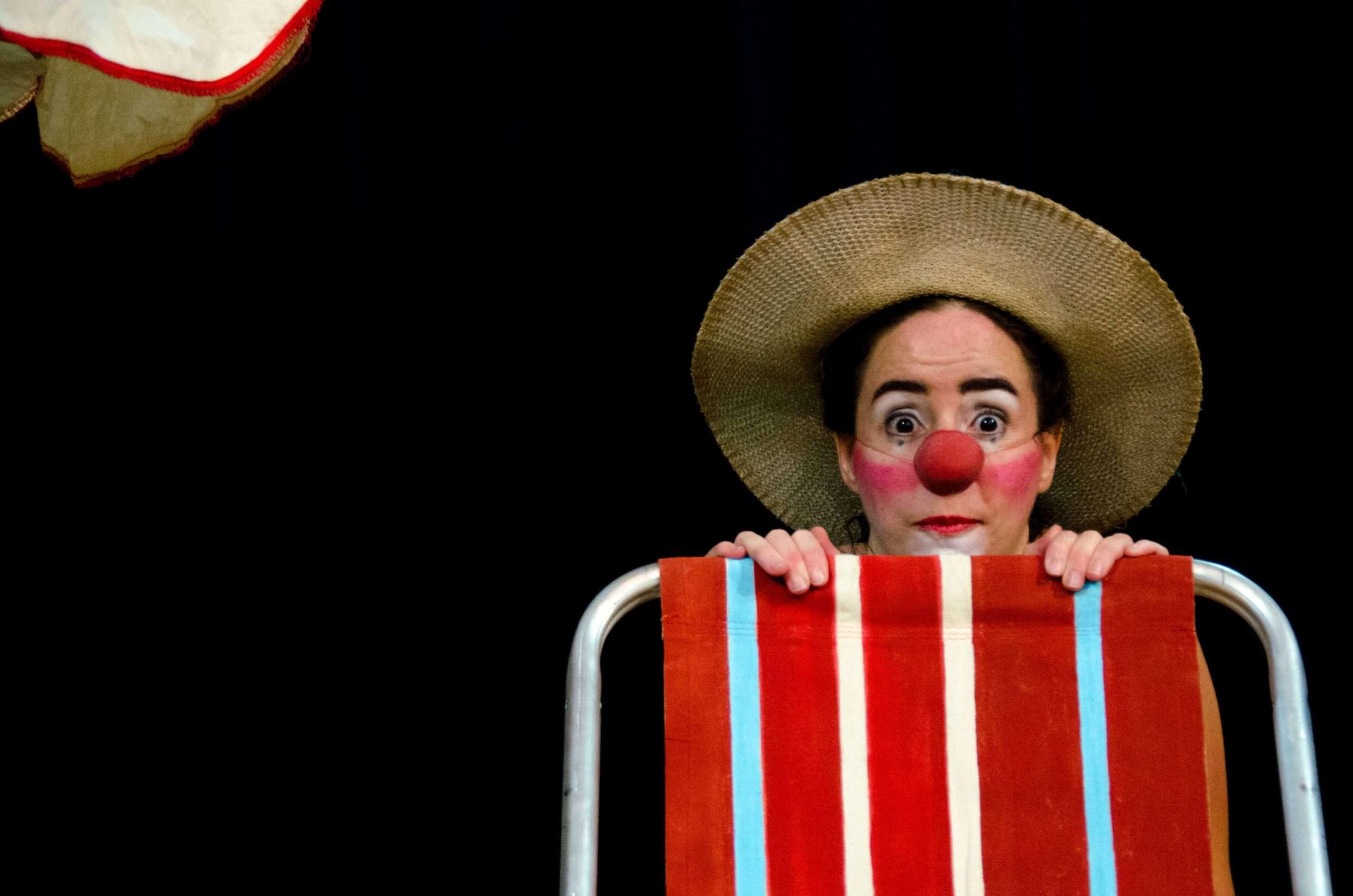 """""""Dia de Praia"""" no Teatro Arthur Azevedo"""