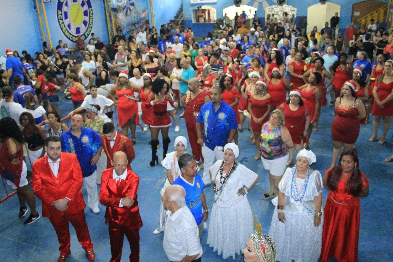 Samba em clima Natalino na quadra do Tucuruvi