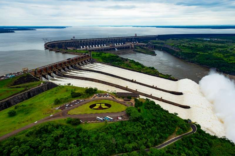 Usina de Itaipu bate recorde de turistas