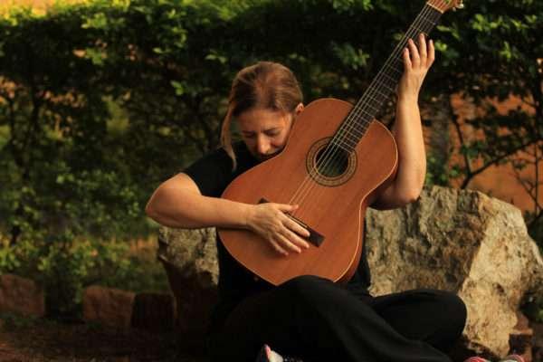 Consuelo de Paula lança o seu sétimo CD