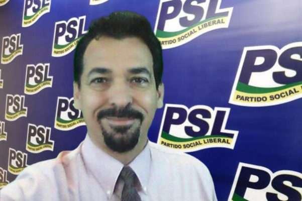 Novo presidente do PSL é radicado nos EUA
