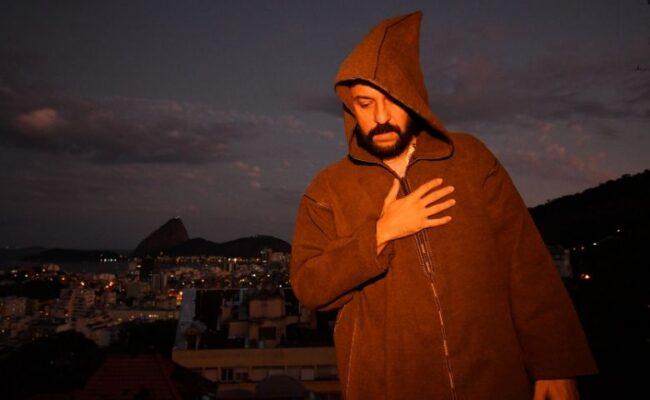 Novo Single de Gabriel O Pensador em live