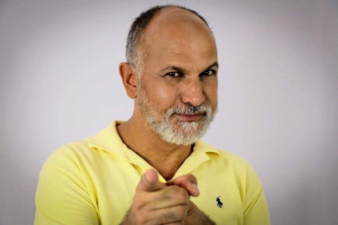 Mácximo Bóssimo ator roteirista e diretor teatral e destaque nos Estados Unidos.