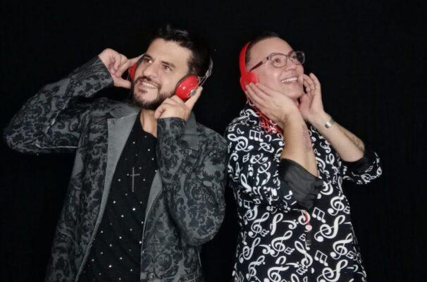 Ex BBB Dicesar lança música brega com cantor católico