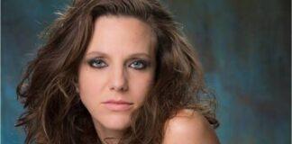 Atriz Carol Hubner estrela no filme Pecado Vermelho