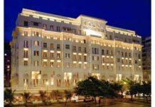 Belmond Copacabana Palace retoma atividades. O Belmond Copacabana Palace, mais tradicional e sofisticado hotel da orla do Rio de Janeiro, reabriu as portas no último dia 20 de agosto, após fechamento temporário em decorrência da recente pandemia