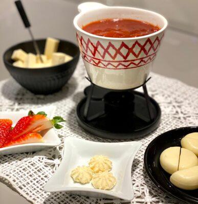 Prepare fondues doces para essas noites frias