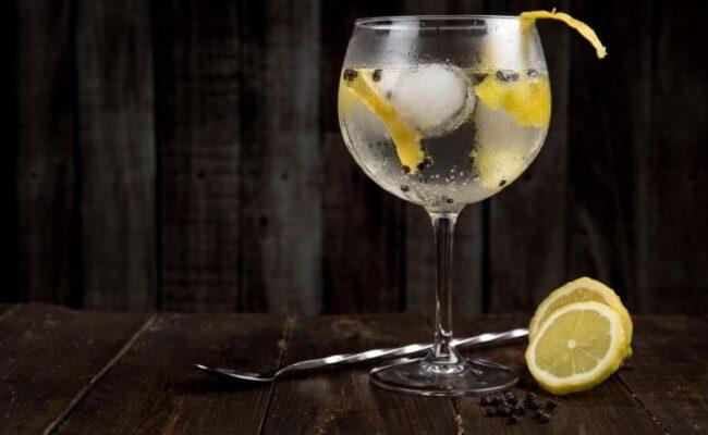 Você sabe como e de onde surgiu a vodka?