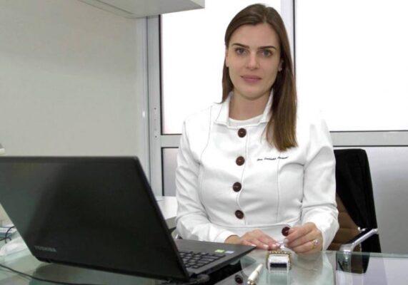 Luciana Passoni Médica Especialista em Cabelo