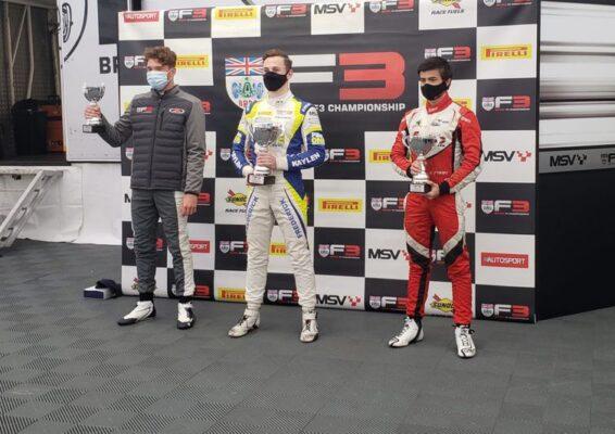 Piloto brasileiro sobe ao pódio do Campeonato Britânico de F3