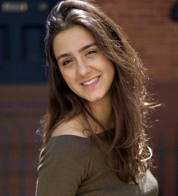 Premiada atriz e produtora brasileira radicada em Nova York