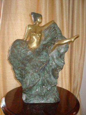 Escultora Adina Worcman recebe homenagem em São Paulo