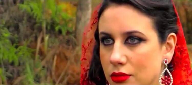 A promissora atriz Gabi Borba em Pecado Vermelho