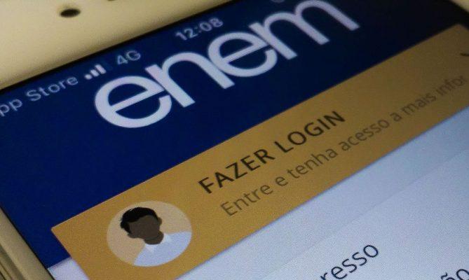 Plataformas online gratuitas na preparação para o Enem