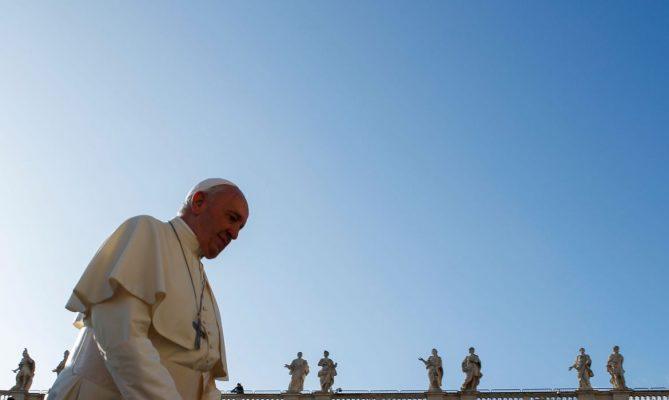 Papa viaja ao Iraque para encontrar aiatolá Sistani