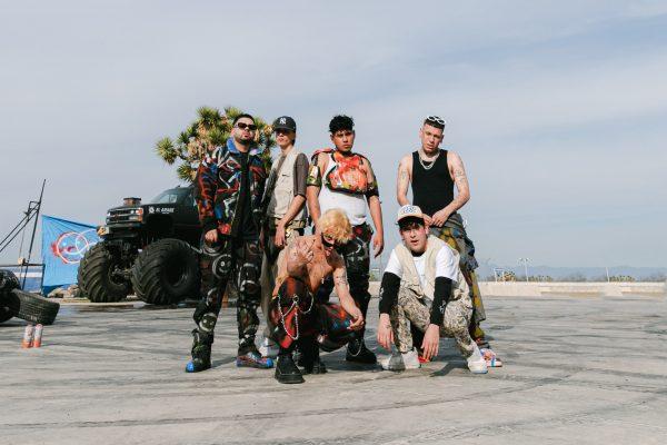 A primeira banda anti-boyband do mundo, AQUIHAYAQUIHAY
